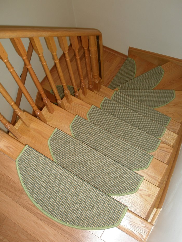 Stair Mats Indoor, Stair Treads in Canada, Stair Mats for Doogs